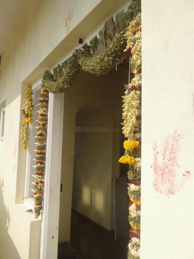 Main Entrance Image of 400 Sq.ft 1 BHK Apartment for rent in Sanjay Gandhi Nagar for 6000