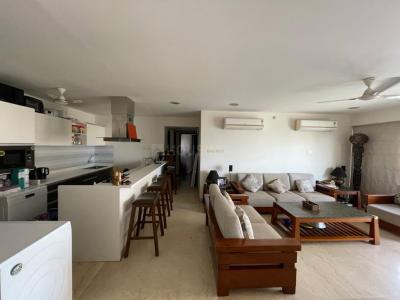 Gallery Cover Image of 1900 Sq.ft 3 BHK Apartment for rent in Khar West for 170000