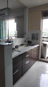 Gallery Cover Image of 995 Sq.ft 2 BHK Apartment for rent in Thane West for 30000