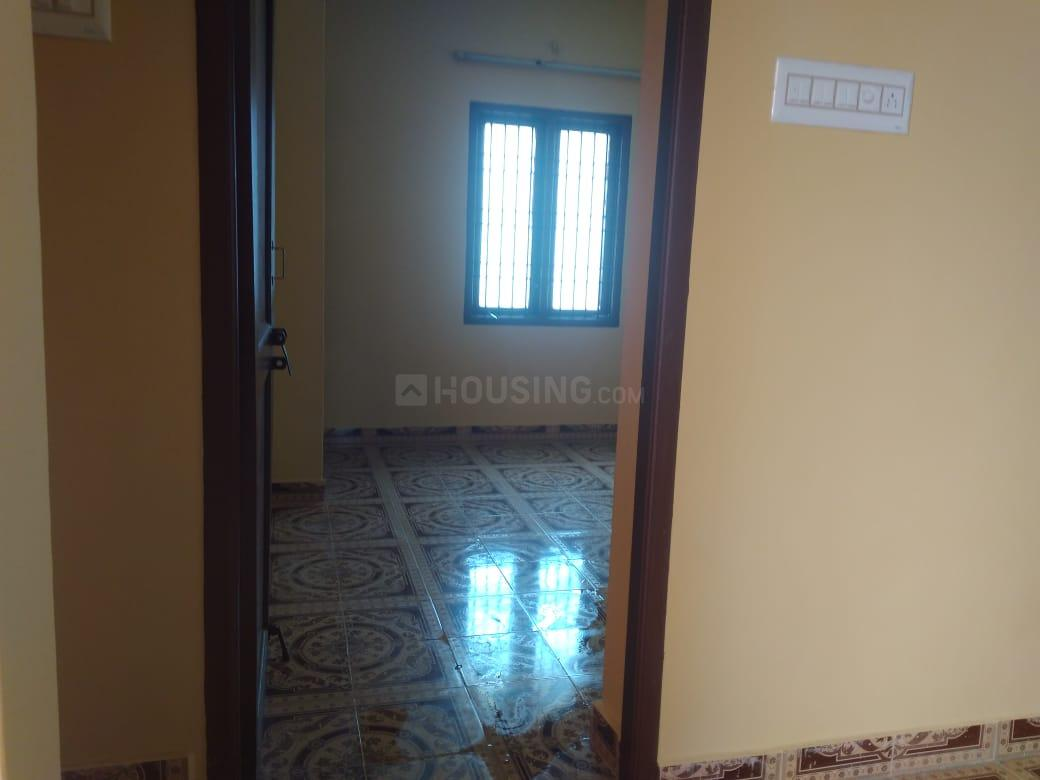 Living Room Image of 900 Sq.ft 2 BHK Independent House for rent in Porur for 12000