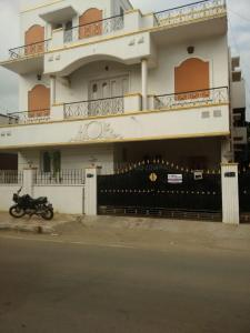 Gallery Cover Image of 3300 Sq.ft 5 BHK Independent House for buy in Valasaravakkam for 26000000