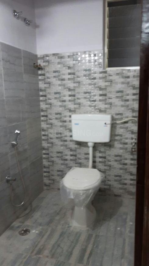 Common Bathroom Image of 1800 Sq.ft 4 BHK Apartment for rent in Attapur for 25000
