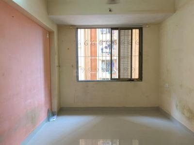 Gallery Cover Image of 450 Sq.ft 1 BHK Apartment for rent in Triratnadeep CHS, Mulund East for 21000