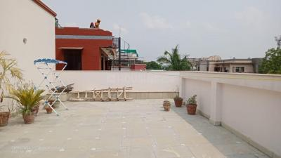 Gallery Cover Image of 1120 Sq.ft 2 BHK Independent Floor for rent in Sector 39 for 19000