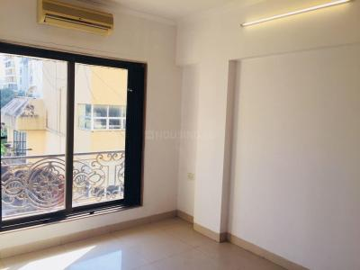 Gallery Cover Image of 1100 Sq.ft 2 BHK Apartment for rent in Khar West for 75000