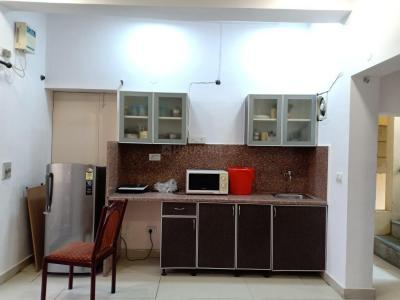Gallery Cover Image of 400 Sq.ft 1 RK Apartment for rent in Golf View Apartments, Saket for 23000