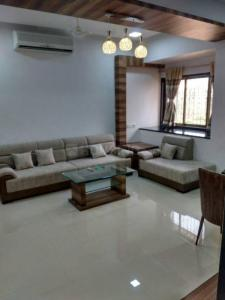 Gallery Cover Image of 1000 Sq.ft 2 BHK Apartment for rent in Silver Palace, Bandra West for 115000