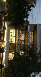 Gallery Cover Image of 3500 Sq.ft 4 BHK Independent Floor for buy in DLF Phase 2 for 42500000