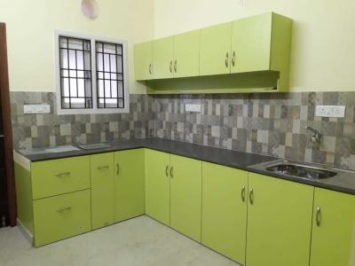 Gallery Cover Image of 1300 Sq.ft 3 BHK Apartment for rent in Velachery for 25000