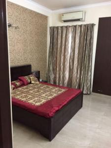 Gallery Cover Image of 1050 Sq.ft 2 BHK Apartment for rent in Nyay Khand for 19000