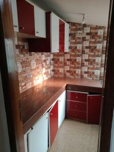 Gallery Cover Image of 1000 Sq.ft 2 BHK Independent Floor for rent in Sector 5 for 18000