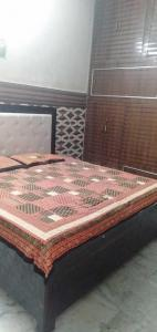 Gallery Cover Image of 1498 Sq.ft 4 BHK Independent House for buy in Gandhi Nagar for 4600000