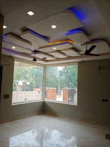 Gallery Cover Image of 3210 Sq.ft 8 BHK Independent House for rent in Phi II Greater Noida for 75000