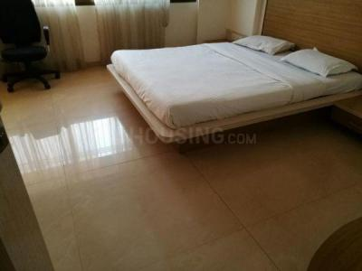 Gallery Cover Image of 1200 Sq.ft 3 BHK Apartment for rent in Ghatkopar West for 59500