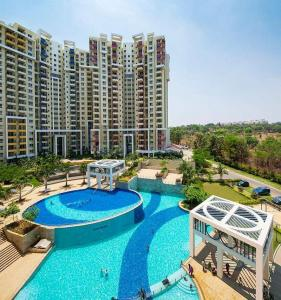 Gallery Cover Image of 1339 Sq.ft 2 BHK Apartment for buy in Vakil Garden City for 7918000