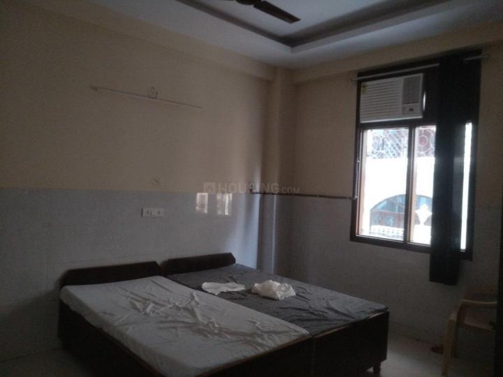 सेक्टर 126 में ओयों लाइफ पीजी के बेडरूम की तस्वीर