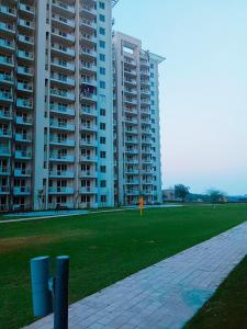 Gallery Cover Image of 1934 Sq.ft 3 BHK Apartment for buy in Sector 107 for 9800000
