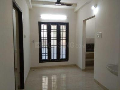 Gallery Cover Image of 800 Sq.ft 2 BHK Apartment for rent in Ambattur for 12000