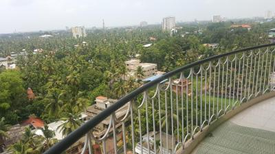 Gallery Cover Image of 1750 Sq.ft 3 BHK Independent Floor for buy in Thevara for 11500000