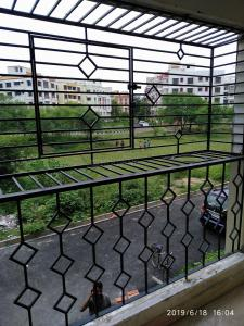 Gallery Cover Image of 1250 Sq.ft 3 BHK Apartment for rent in New Town for 20000