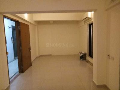 Gallery Cover Image of 1300 Sq.ft 2 BHK Apartment for rent in Prabhadevi for 90000