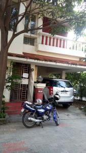 Gallery Cover Image of 2200 Sq.ft 4 BHK Independent House for rent in Rajakilpakkam for 17000