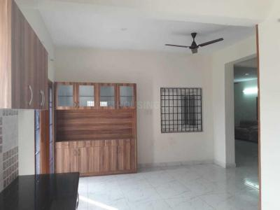 Gallery Cover Image of 2000 Sq.ft 3 BHK Apartment for rent in Velachery for 32000
