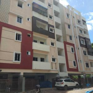 Gallery Cover Image of 1200 Sq.ft 2 BHK Apartment for buy in Whisper Valley for 4000000