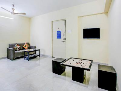 पेरुमबक्कम में ज़ोलो मोंडेओ में लिविंग रूम की तस्वीर