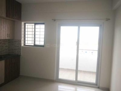 Gallery Cover Image of 900 Sq.ft 2 BHK Apartment for rent in Mayur Vihar Phase 3 for 15000