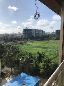 Gallery Cover Image of 1800 Sq.ft 3 BHK Apartment for rent in Juhu for 140000