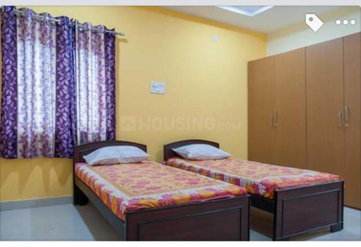 Bedroom Image of Thakur Hostel in Patel Nagar