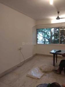 Gallery Cover Image of 800 Sq.ft 2 BHK Apartment for rent in Bandra West for 60000