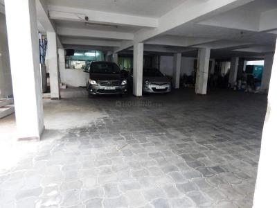 Parking Area Image of Sr Guest House in Ekkatuthangal