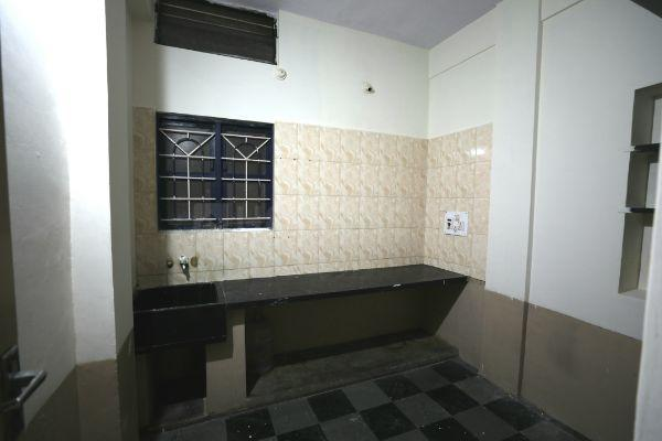 Kitchen Image of 600 Sq.ft 2 BHK Independent Floor for rent in Chickpete for 20000