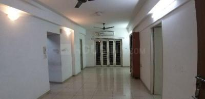 Gallery Cover Image of 1275 Sq.ft 3 BHK Apartment for rent in Ceebros Boulevard, Thoraipakkam for 26000