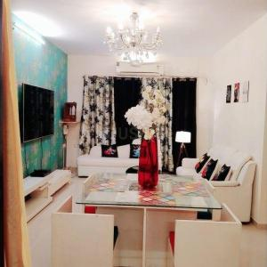 Gallery Cover Image of 1100 Sq.ft 2 BHK Apartment for rent in Prime Rose Apartment, Andheri West for 60000