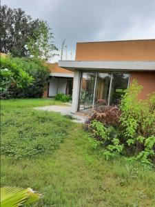 Gallery Cover Image of 6300 Sq.ft 1 RK Villa for buy in Kolat for 7700000