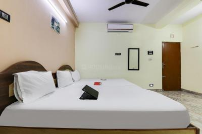Bedroom Image of Oyo Life Chn1038 in West Mambalam