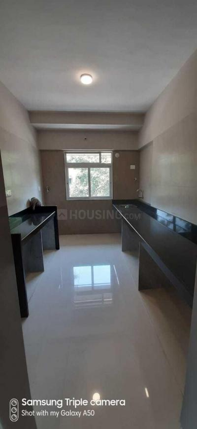 Kitchen Image of 700 Sq.ft 2 BHK Apartment for buy in Malad West for 15000000