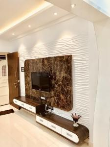 Gallery Cover Image of 888 Sq.ft 2 BHK Apartment for buy in Goel Ganga Antra, Kharadi for 4850000