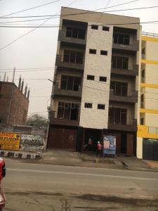 Gallery Cover Image of 1500 Sq.ft 1 RK Independent Floor for rent in Sector 20 Rohini for 50000