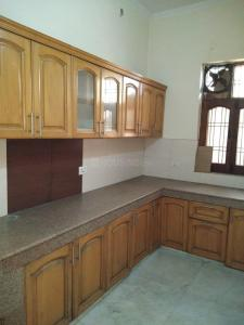 Gallery Cover Image of 1450 Sq.ft 2 BHK Independent Floor for rent in Sector 17 for 14000