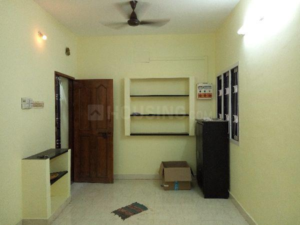 Living Room Image of 2700 Sq.ft 2 BHK Apartment for rent in Chromepet for 11000