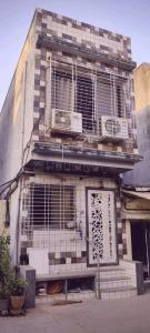 Gallery Cover Image of 369 Sq.ft 1 BHK Independent House for buy in MHADA Layout, Kandivali West for 7000000
