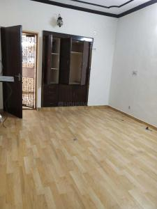 Gallery Cover Image of 1350 Sq.ft 3 BHK Independent Floor for buy in Paschim Vihar for 23500000