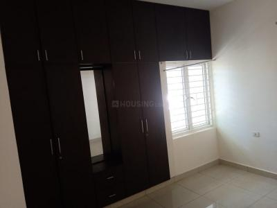 Gallery Cover Image of 1600 Sq.ft 3 BHK Apartment for rent in Aminjikarai for 32000