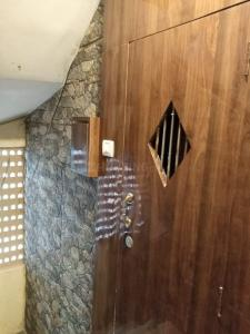 Gallery Cover Image of 350 Sq.ft 1 RK Apartment for rent in Andheri West for 26000