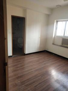Gallery Cover Image of 3051 Sq.ft 4 BHK Apartment for rent in Park Street Area for 150000