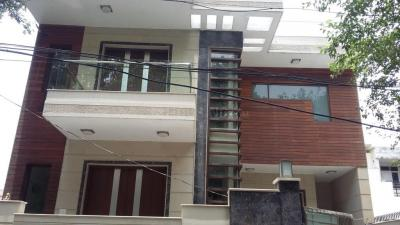 Gallery Cover Image of 1800 Sq.ft 2 BHK Independent Floor for rent in Sector 14 for 23500